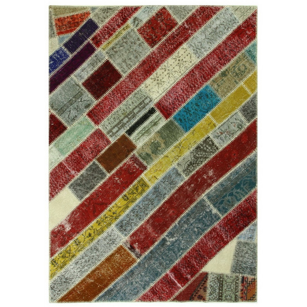 7130- CLEARANCE Carpets -Old handmade carpets are collected from different cities, towns andvillages in Turkey.