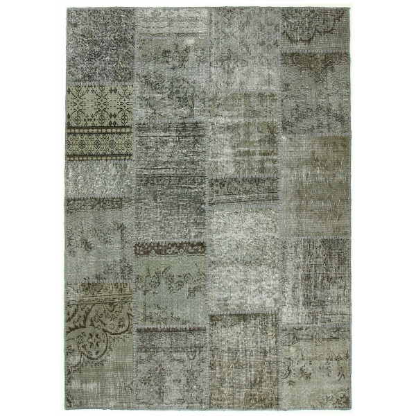8135- Patchwork Carpets -Old handmade carpets are collected fromdifferent cities, towns and villages in Turkey.